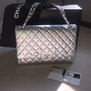 💎Rare 💎Silver Classic Chanel Bag